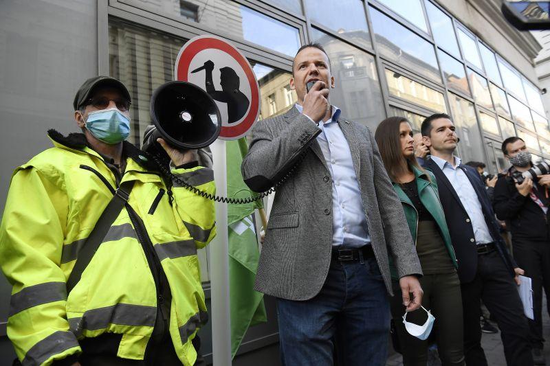 Cigányellenes demonstrációt tartott a Mi Hazánk Monoron