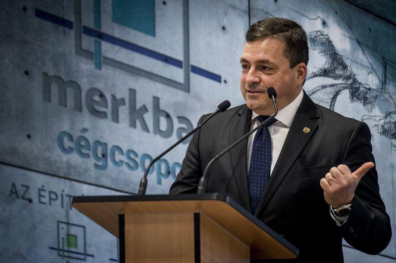 Újra kellett éleszteni, a klinikai halálból hozták vissza a Fidesz képviselőjét