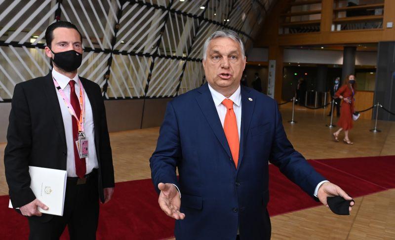 Keményen beszóltak Orbánnak az EU-csúcson a homofóbtörvény miatt