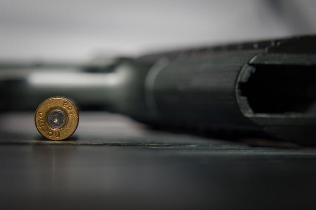 Eljárás indult a hazánkba fegyvert csempésző koszovói férfi ellen