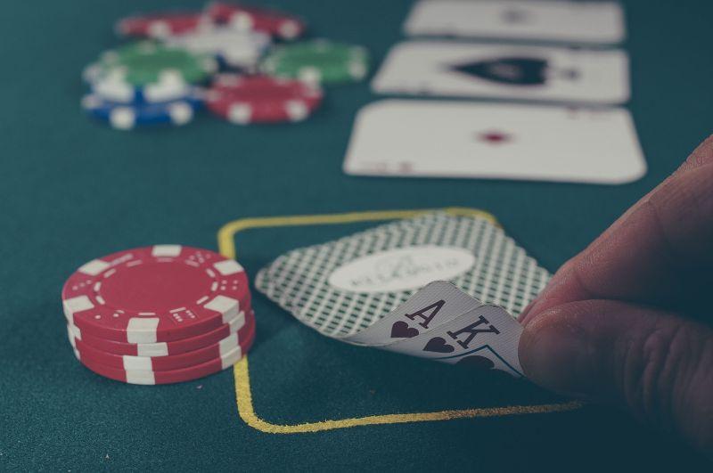 Több százmilliót sikkasztott az apáca – nagy részét kaszinókban játszotta el.