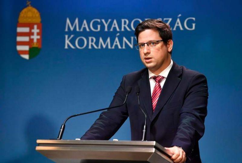 Megszűnik a kötelező maszkhasználat Magyarországon, ez a feltétele