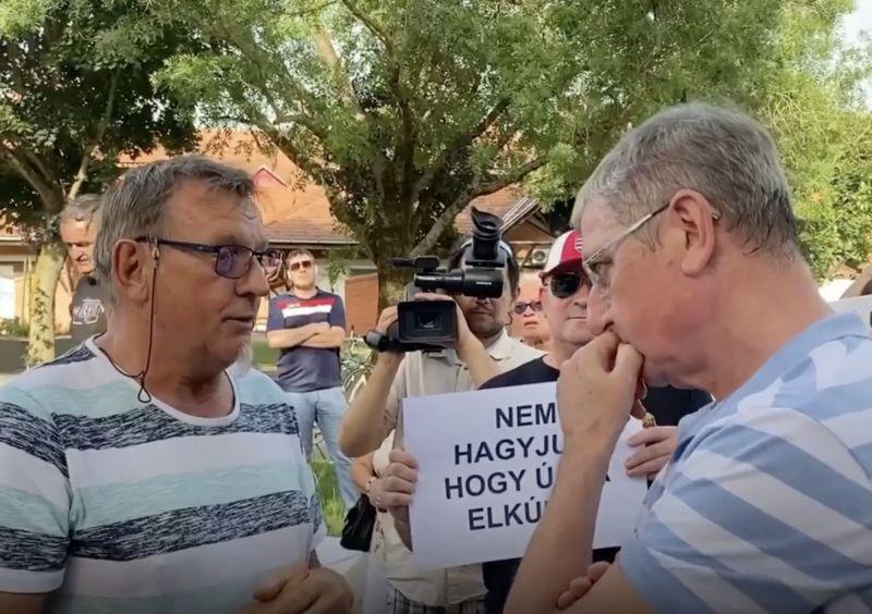 Összekevertek Orbánnal! – így beszélgetett Gyurcsány a fideszes tüntetőkkel