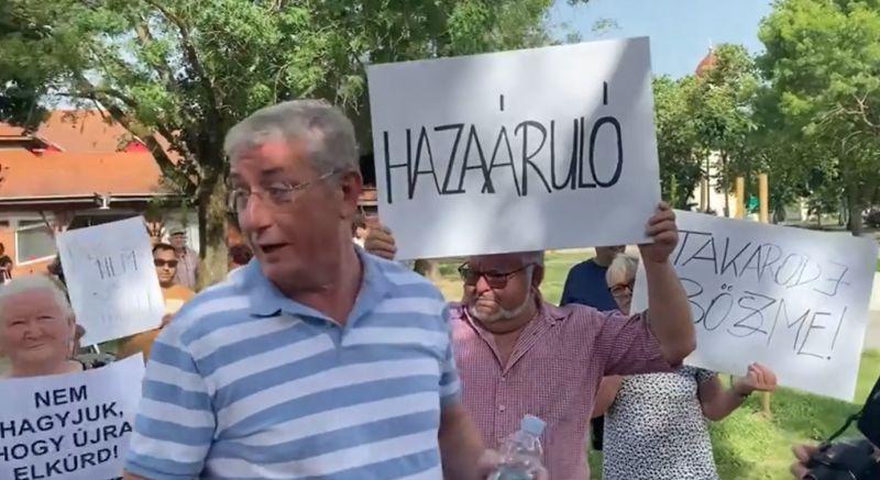 """Gyurcsán kiakadt, és ráordított Orbánra a Facebookon: """"Szórakozz a felmenőiddel!"""""""