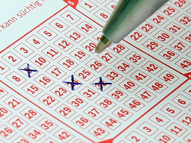 Kihúzták a lottó számokat, többen is milliomosok lettek ma