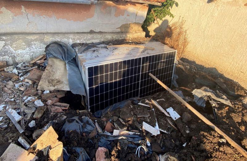 Ellopták, majd elásták a napelemeket egy balmazújvárosi cég munkatársai
