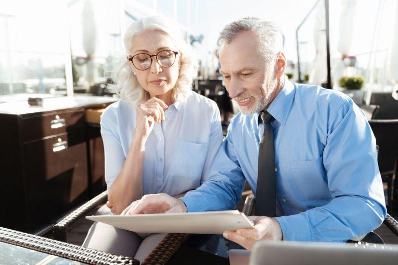 Július elsejétől jelentős változások jönnek a nyugdíjaknál – Nem kötelező elfogadni a felkínált pénzt