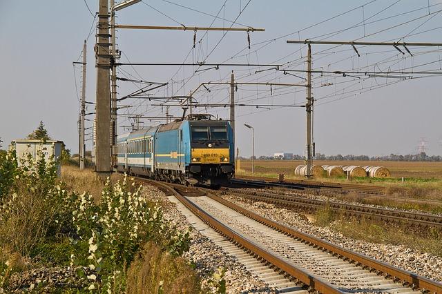 MÁV: sebességkorlátozások, hosszabb menetidők lesznek a hőség miatt az egyes vonalakon