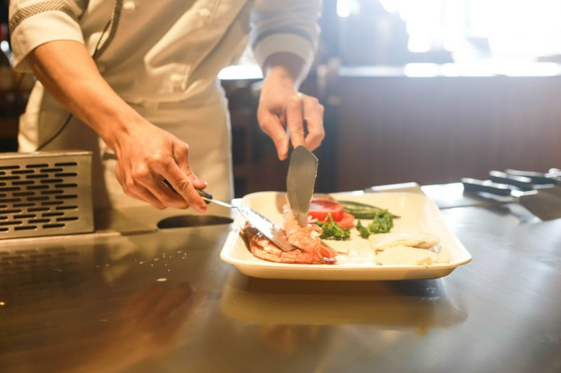 Akár egymilliót is kereshetnek a szakácsok és felszolgálók a Balatonon – mégis 20%-os a hiány a szektorban