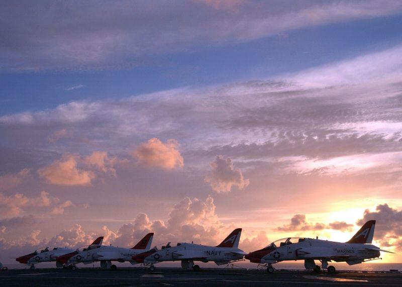 Háborús készülődés: az orosz flotta repülőgéphordozó-harccsoport megsemmisítését gyakorolta Hawaii irányában