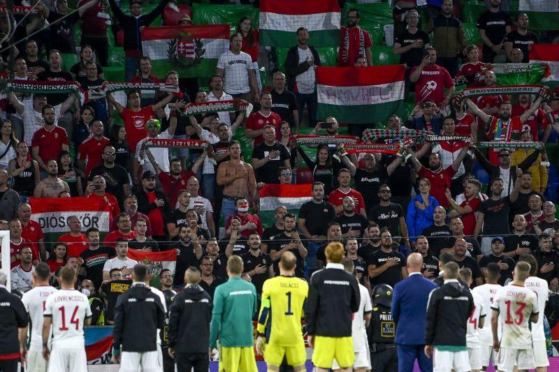 18 magyar szurkolót állítottak elő Németországban