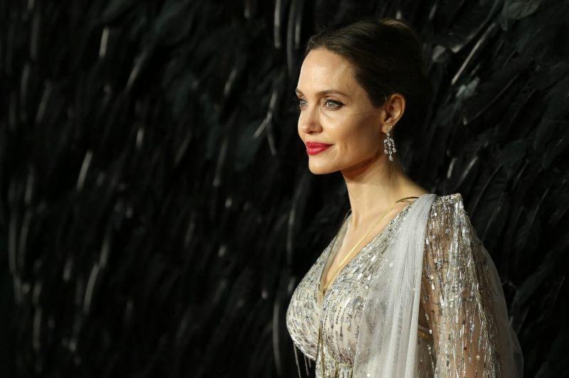 Ezért pereli Angelina Jolie Brad Pittet