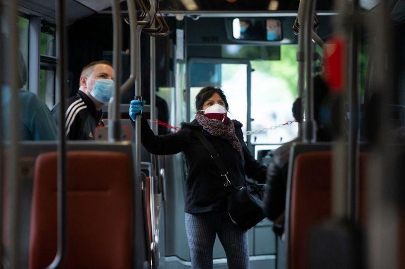 """A brüsszeli tömegközlekedési vállalat nem használja többé a """"feketeutas"""" szót a bliccelőkre"""