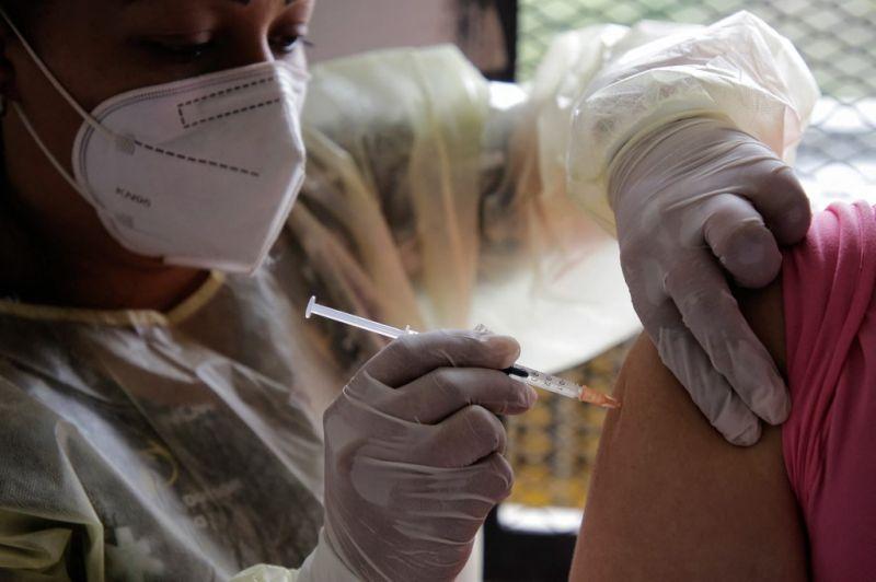 Fővárosi antitest teszt: a Sinopharmmal oltott 60 év felettiek mintegy 24 százalékánál nem volt elég antitest