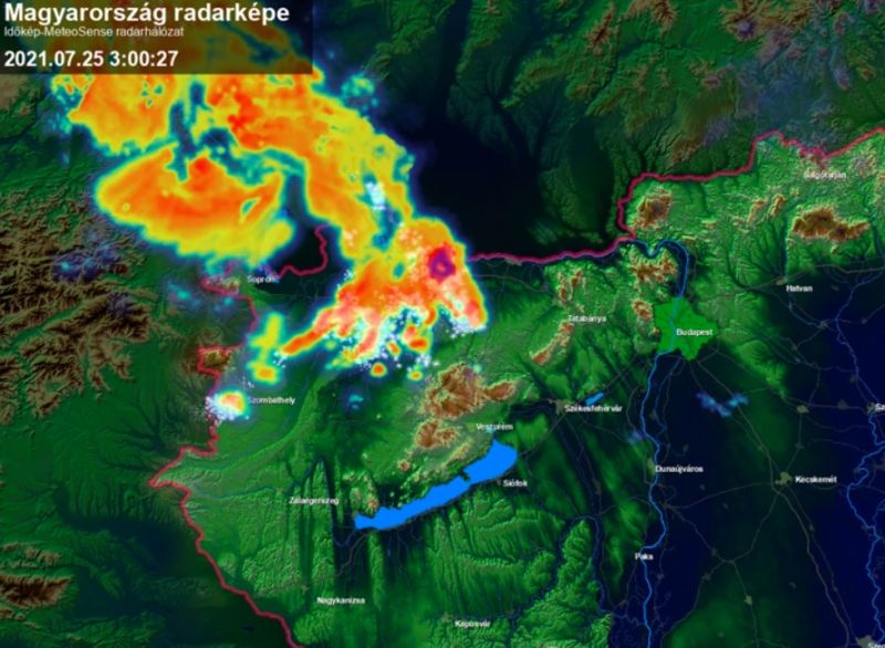 Zivatarok söpörnek végig a Dunántúlon, Budapestre is riasztást adtak ki