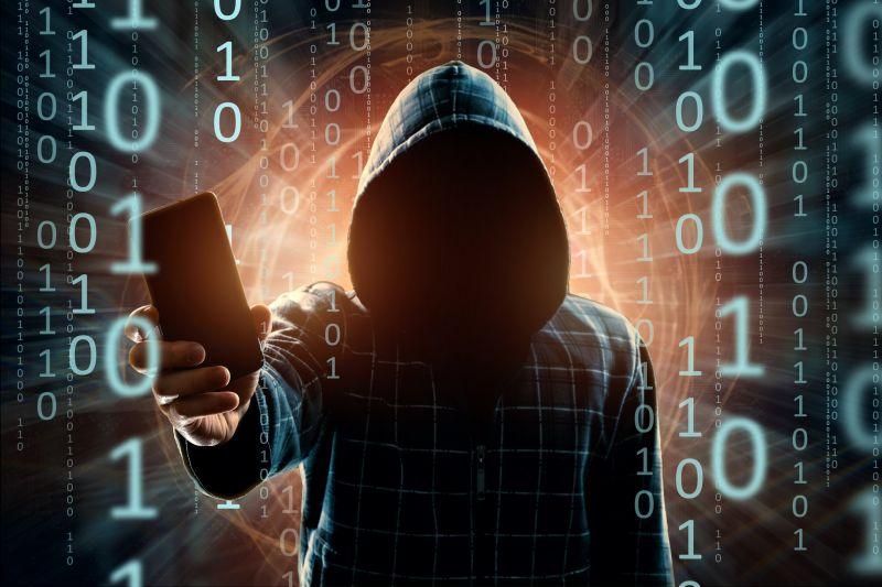 Magyar újságírók és üzletemberek telefonjait is feltörték a szuper-kémprogrammal