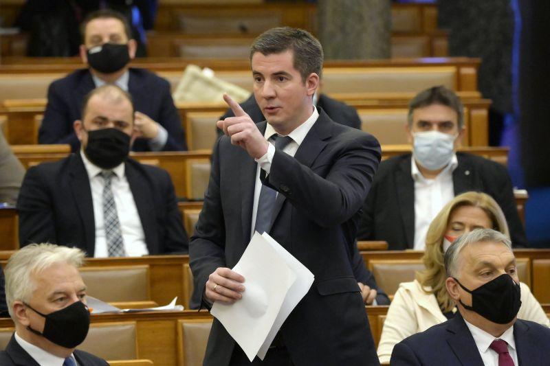 """Kocsis Máté üzent a """"nemzetét gyűlölő gazembernek"""": """"Gyurcsány gyermekvédelmi népszavazásra egy burkolt, de jól érthető """"anyázással"""" válaszolt a miniszterelnöknek"""""""