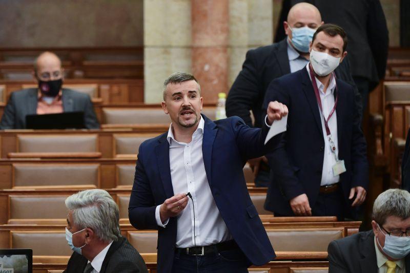 """Keményen beleszállt Orbánba Jakab a reggeli """"rádió kabaré"""" után: """"Erőt akart sugározni, helyette bolondot csinált magából"""""""
