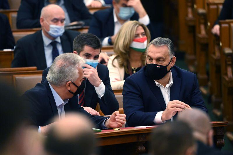 A Fidesz beismerte bűnösségét a Pegasus-botrányban?