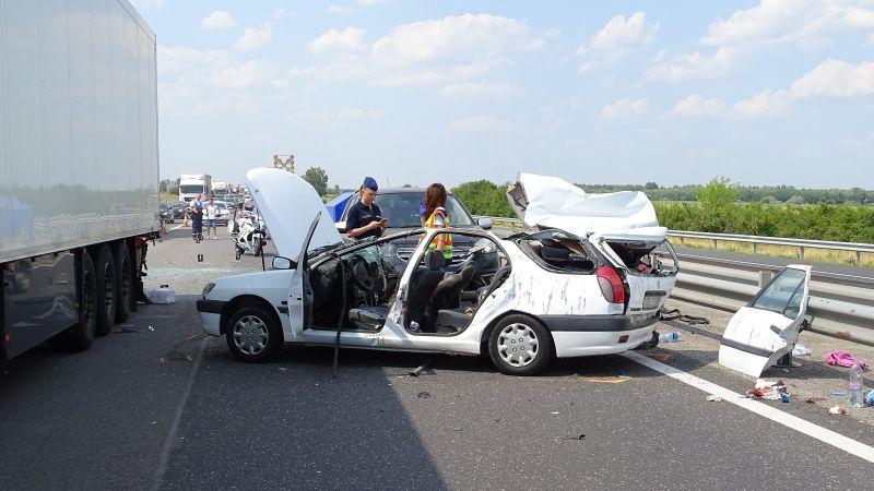 Kettős tragédia történt az M5-ös autópályán