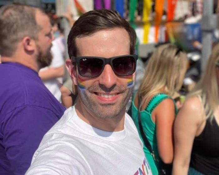 Máris elkezdték buzizni a Pride-on részt vevő magyar politikusokat