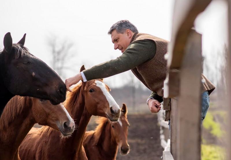 Orbán inkognitóban, a nyilvánosság teljes kizárásával meglátogatta Lázárt Mezőhegyesen, a helyiek azonban résen voltak