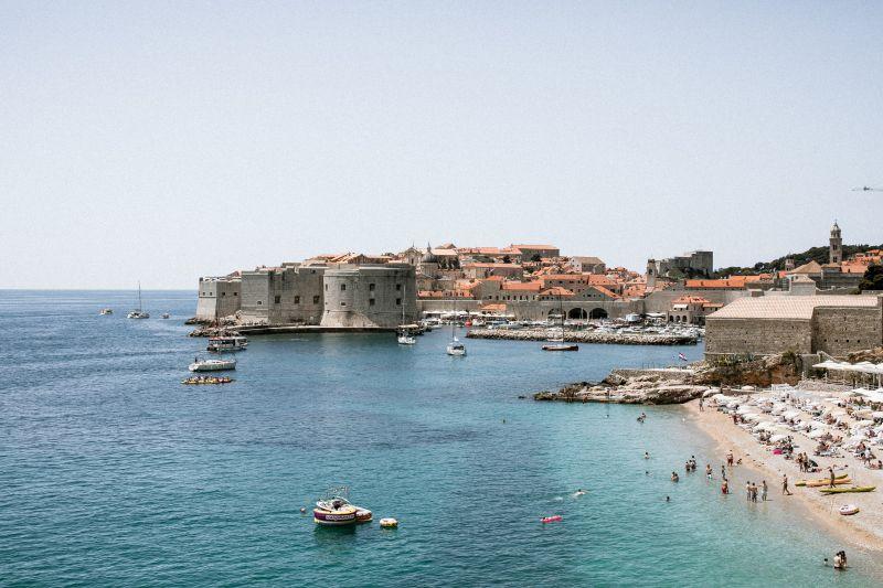 Mi lesz a nyaralásokkal? Horvátország meghosszabbította a járványügyi intézkedéseket