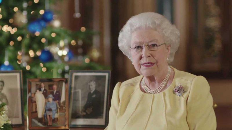 Döbbenetes dolgot tett  II. Erzsébet királynő – mutatjuk