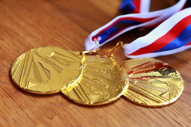 Négyszer annyi jár egy magyar aranyéremért, mint egy amerikaiért