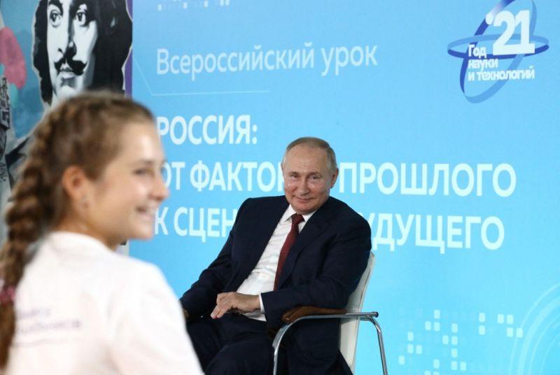 Egy diák kijavította Putyint, az iskolaigazgató nem volt boldog