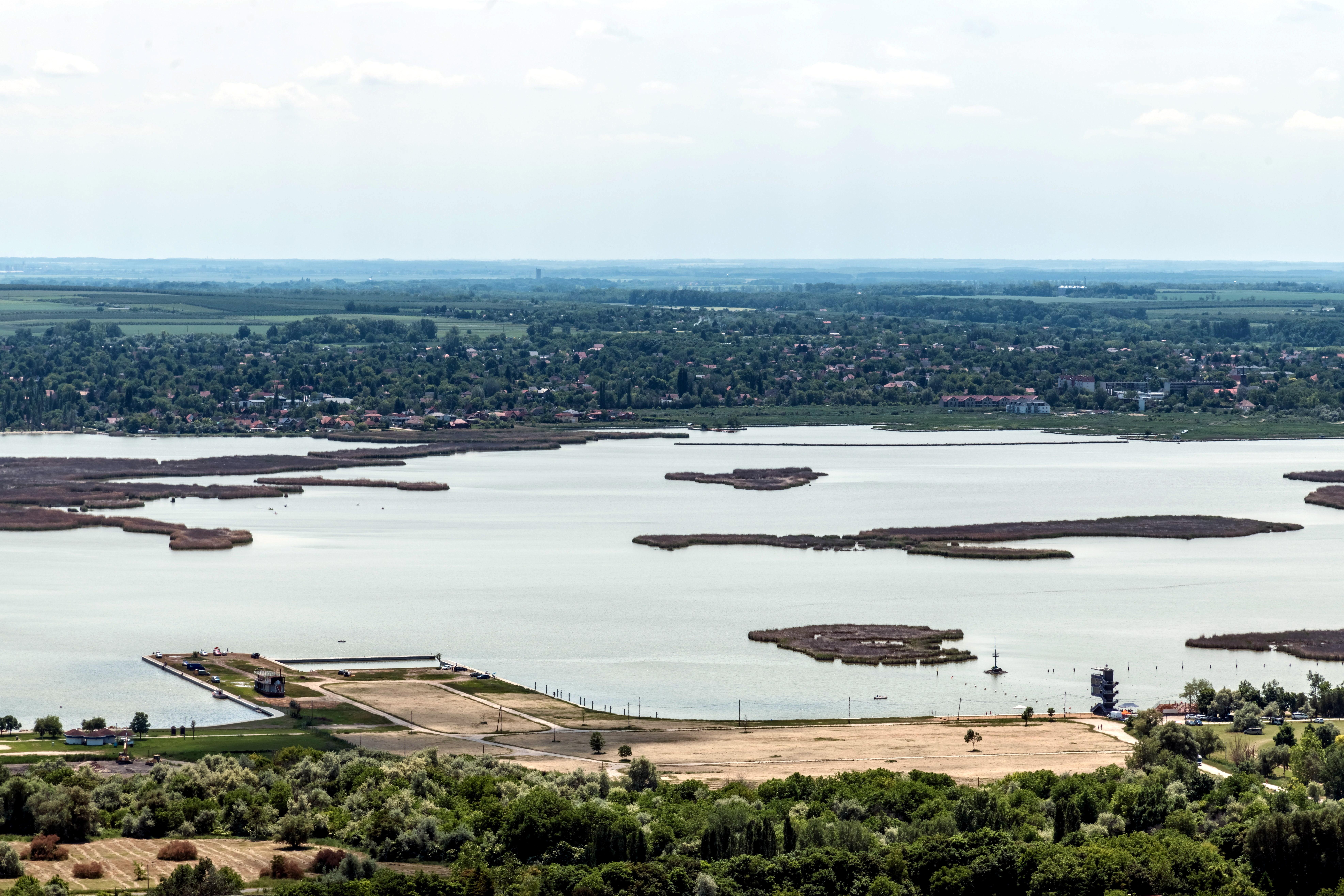 A haveroknak milliárdokat osztogató Orbán-kormánynak nincs 40 milliárdja a Velencei-tó megmentésére