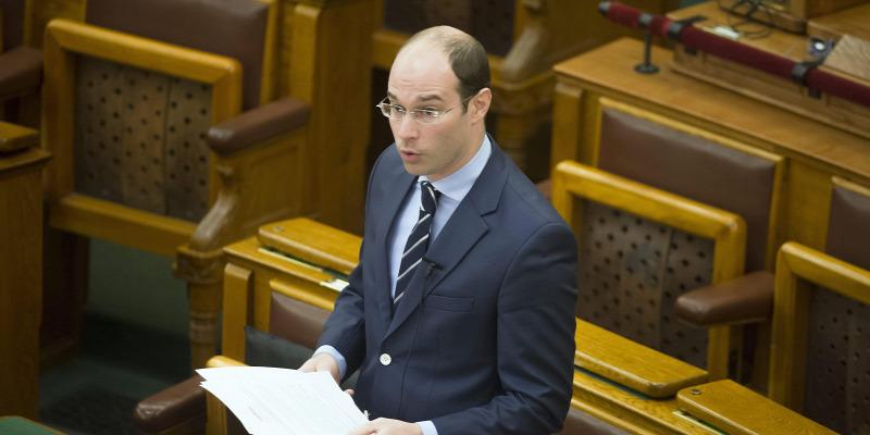 A Fidesz akkorát kommunistázott a Pegasus-botrány kapcsán, hogy saját híveik is meglepődhettek