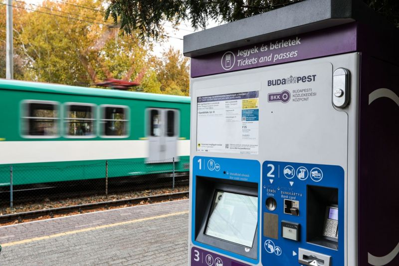 Nagy változás Budapesten – megújulnak a jegy- és bérletkiadó automaták