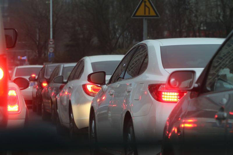 Balesetek miatt torlódik az M0-s autóút forgalma