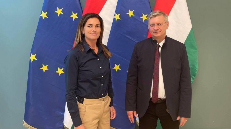 """""""Jövőre már nem menekülsz, te is mész a börtönbe, mosolyogj mert alkalmatlan vagy Juditka"""" – Varga Judit teljes mellszélességgel kiáll Lengyelország mellett"""