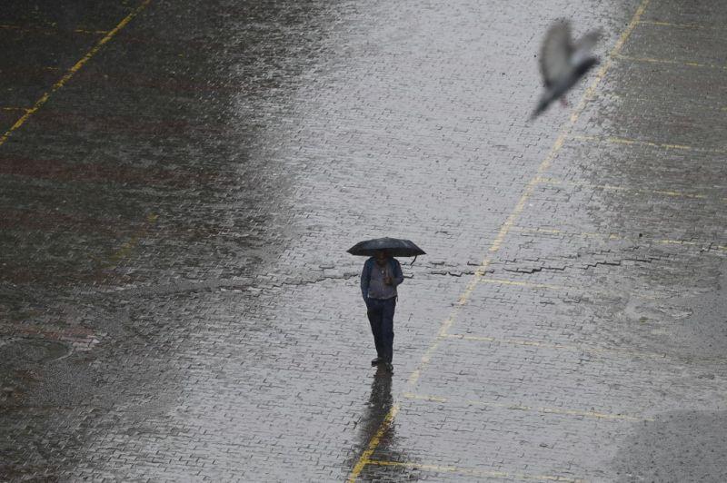 Borzasztó idő vár ránk, napokig esni fog