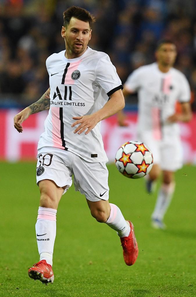 Le fog esni az álla, ha megtudja mennyit keres Lionel Messi a Paris SG-ben