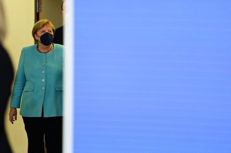 Fej-fej mellett a szociáldemokraták és a kereszténydemokraták a német választáson