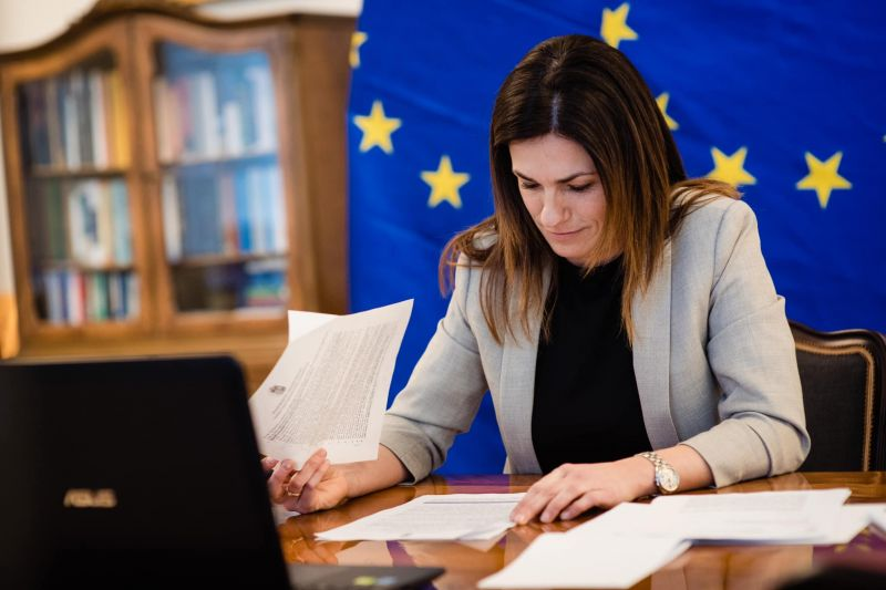 Újabb brüsszeli őrültség, ideológiai ámokfutás, veszélyben a gyermekek: a Fideszes képviselők kiakadtak az EP új állásfoglalására