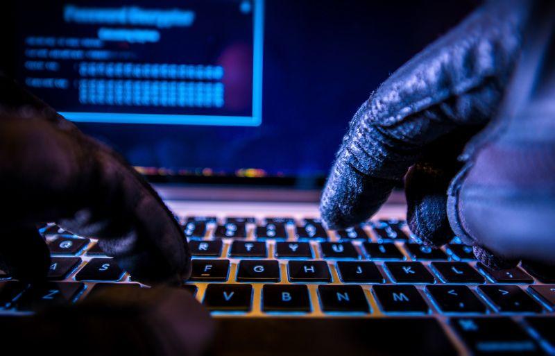Előválasztás: felfüggesztették az internetes szavazási lehetőségét, hackertámadás érhette a rendszert