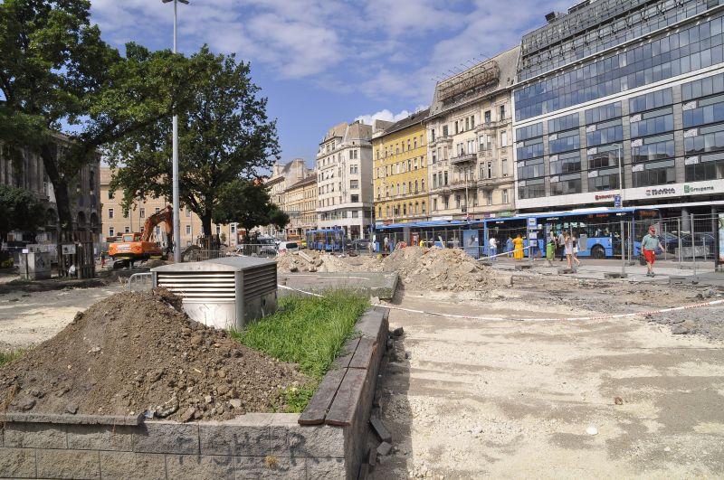 """A közmédia fizetett hirdetésben kéri olvasóit, hogy küldjenek képeket a """"pusztuló Budapestről"""""""