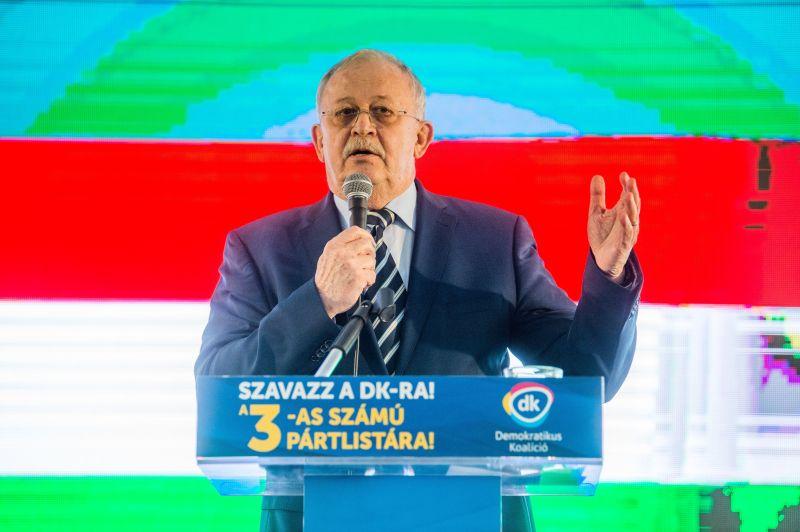 Kuncze Gábor videóban állt ki Dobrev Klára mellett