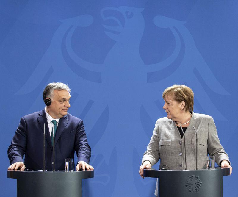 Elemzés: Orbánéknak akkor sem kell félniük, ha a szocdemek győznek Németországban