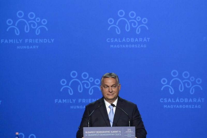 """Orbán: """"A nyugati baloldal támad, célba veszik a gyermekeinket!"""""""