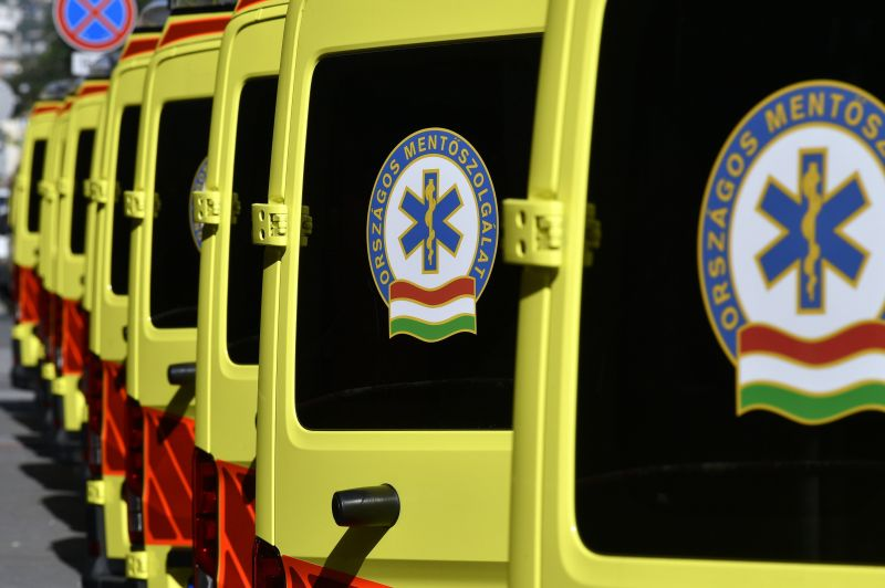 Testkamerát kapnak a mentősök