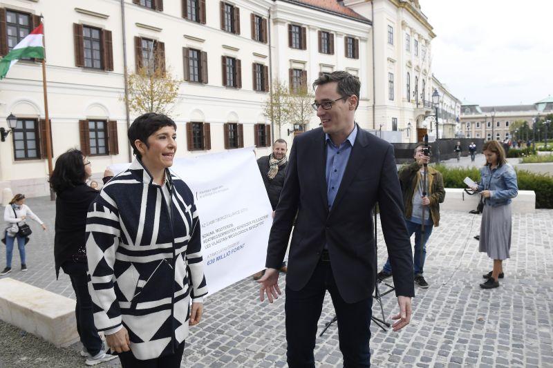 Leüvöltik majd egymás fejét? Ma kezdődik a kormányfő-aspiránsok egymásnak feszülése, ilyen még nem volt Magyarországon