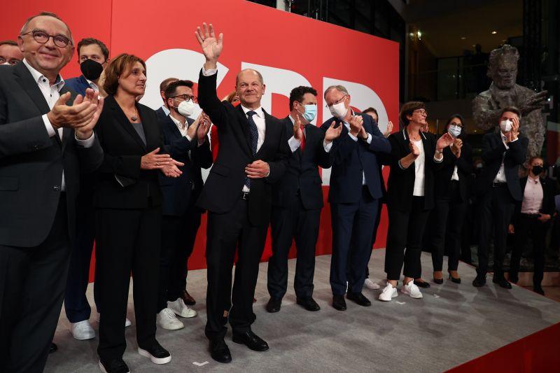 Nyertek a szocdemek Németországban, karácsonyra kormányt akarnak alakítani