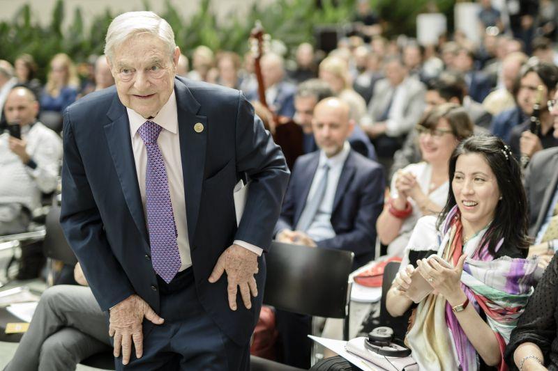 Kirúgtak 150 embert Soros György alapítványaitól