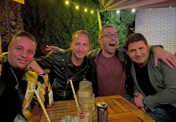 Hajdú Péter Krisz Rudival, Császár Előddel és L.L. Juniorral bulizott – De mit ünnepeltek együtt? – fotó
