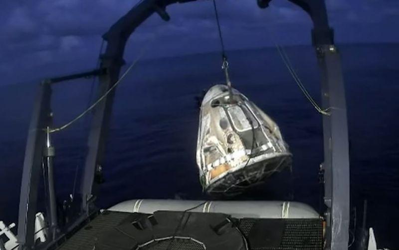 Visszatért a Földre az elsőamatőr űrhajósokat szállító űrhajó